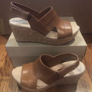 Clark's Annadel Sandals tan size 8 new